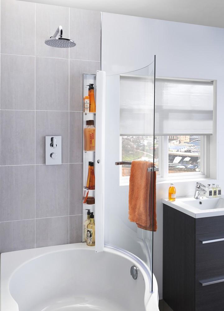 Curved bathscreen P Shaped Bath