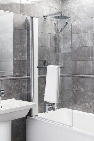 Straight Bath Shower Screen